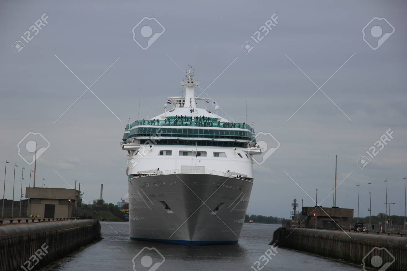 May 5th, 2012 Velsen, the Netherlands. Vision of the Seas in the IJmuiden locks. The Vision of the Seas is a 915ft long cruiseship, built in 1998, owned by Royal Caribbean International Stock Photo - 13575624