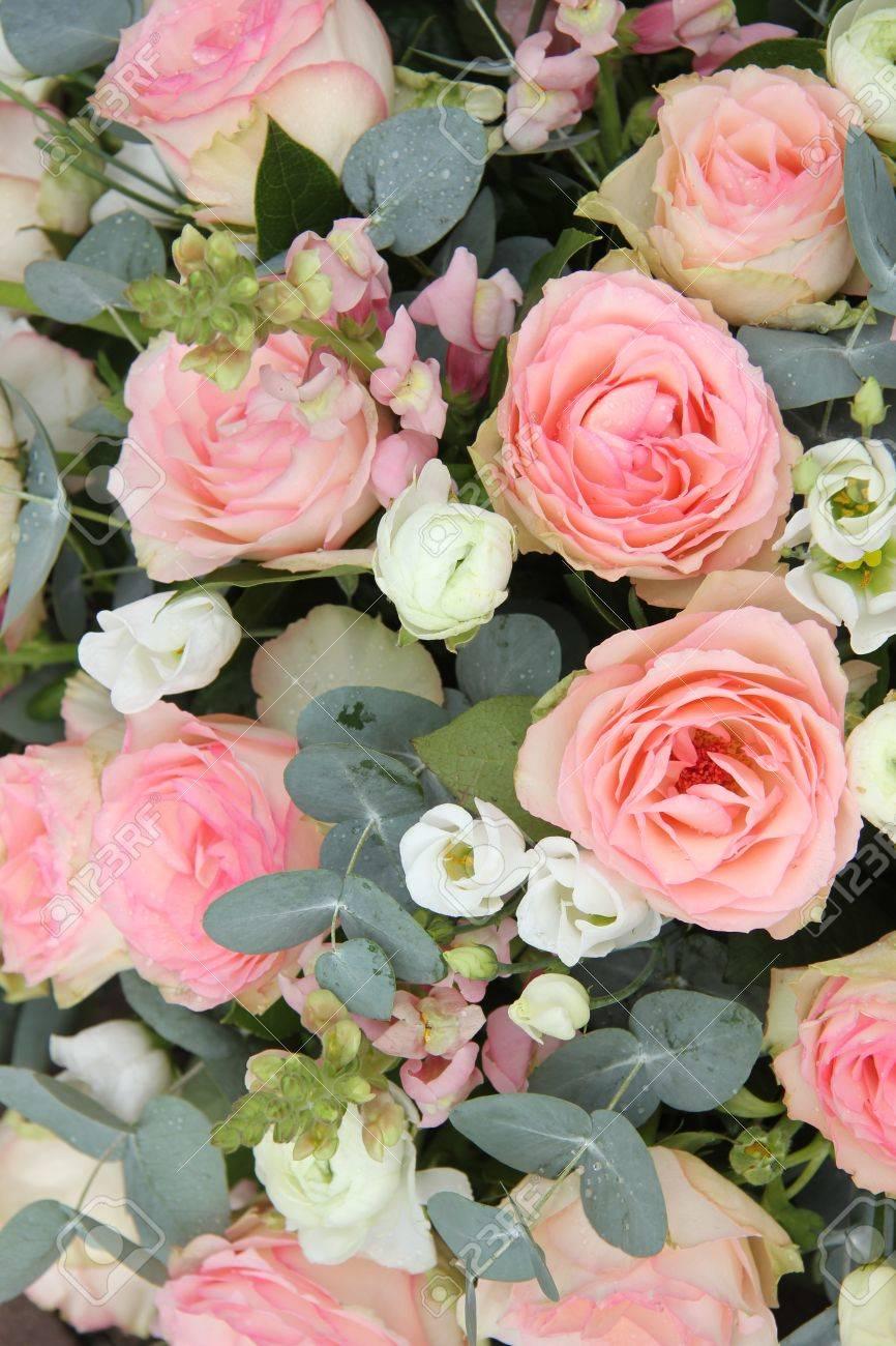 Rosa Rosen Und Eukalyptus In Einem Rosa Weiss Hochzeit Blumen