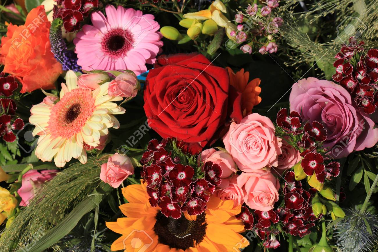 Mixed Flower Arrangement: Various Flowers In Different Colors ...