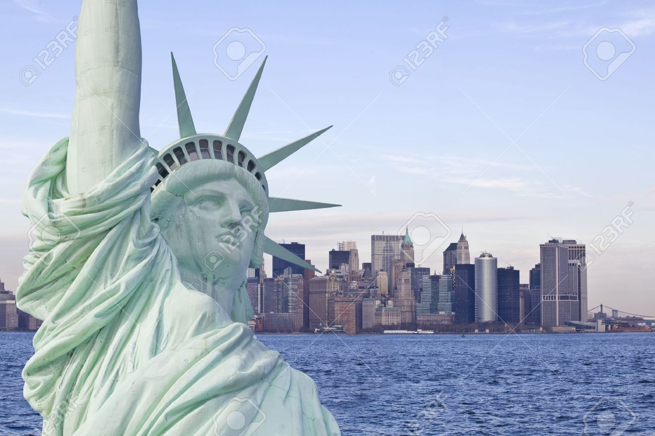 Statue of liberty with new york skyline in background Stock Photo - 15034138