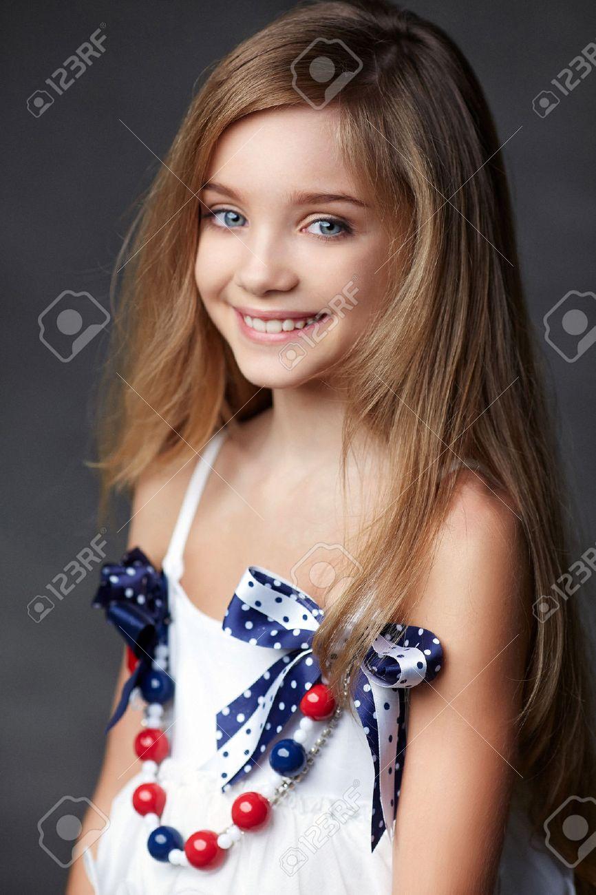 Model girl blue eyes The 23