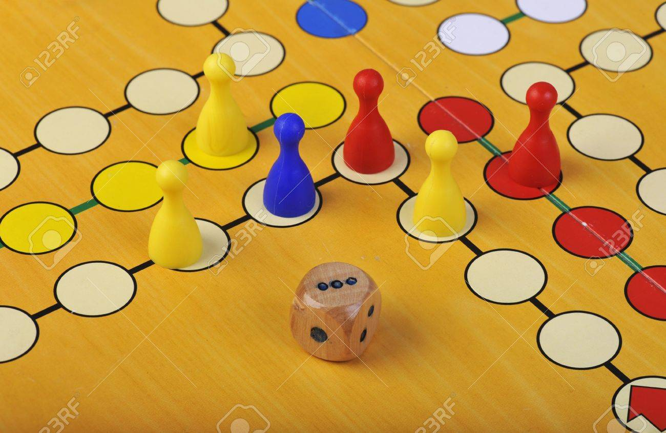 El Antiguo Juego De Mesa De Ludo Take It Easy Es Apunte