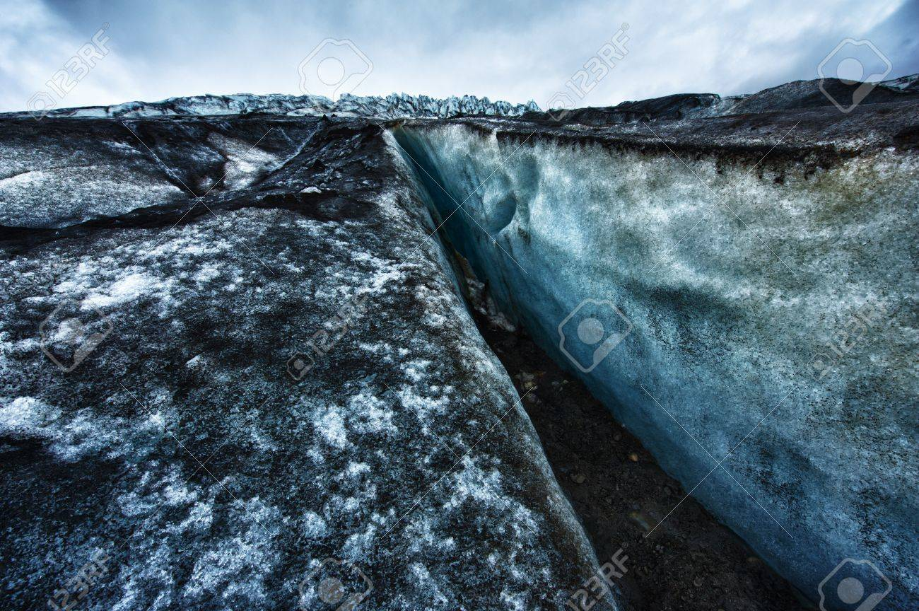 Detailed photo of the Icelandic glacier ice with a incredibly vivid colors and a nice texture Stock Photo - 17273117