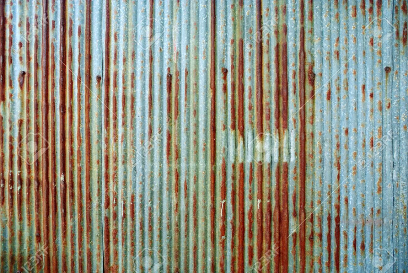 Rusted galvanized iron plate - 36469808