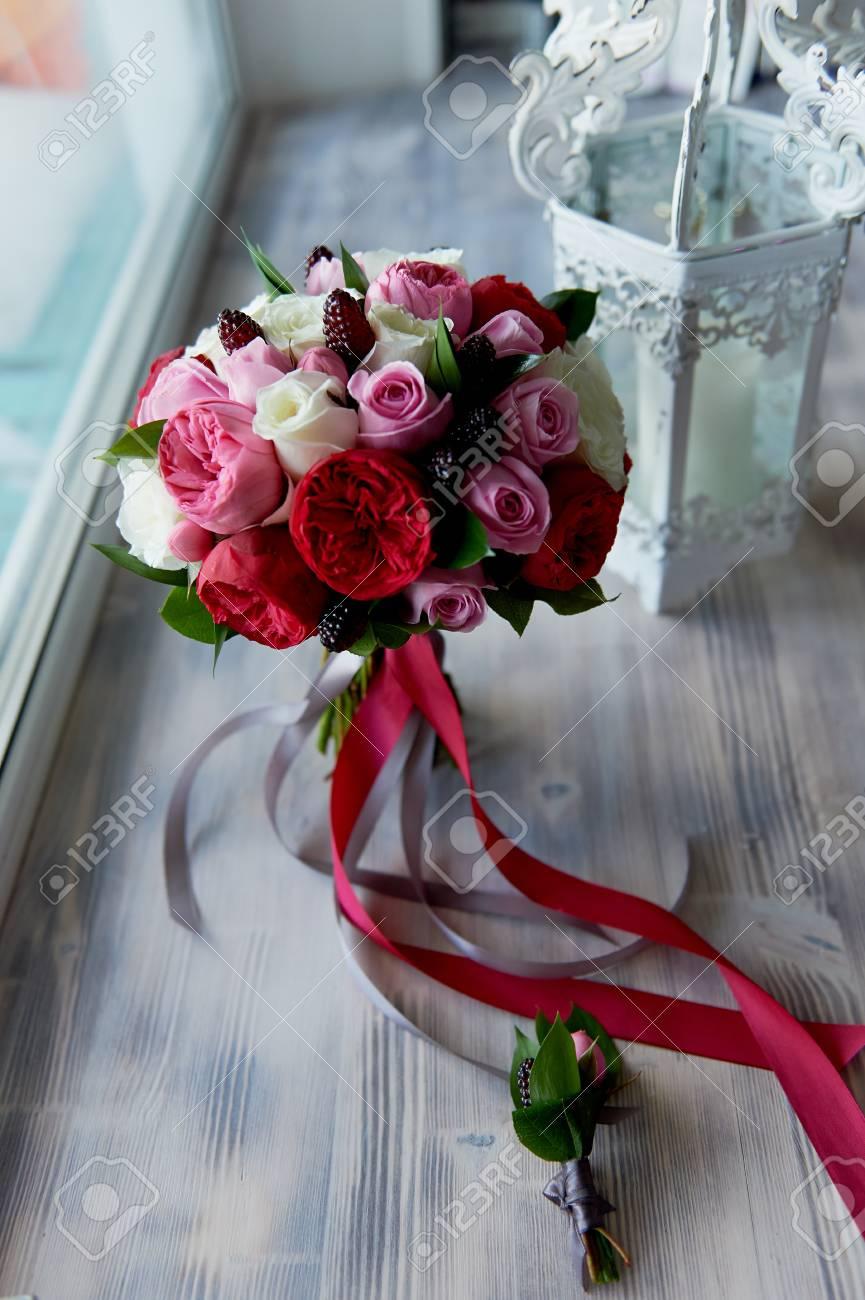 Hochzeit Brautstrauss In Rot Pink Weiss Hochzeitsblumen