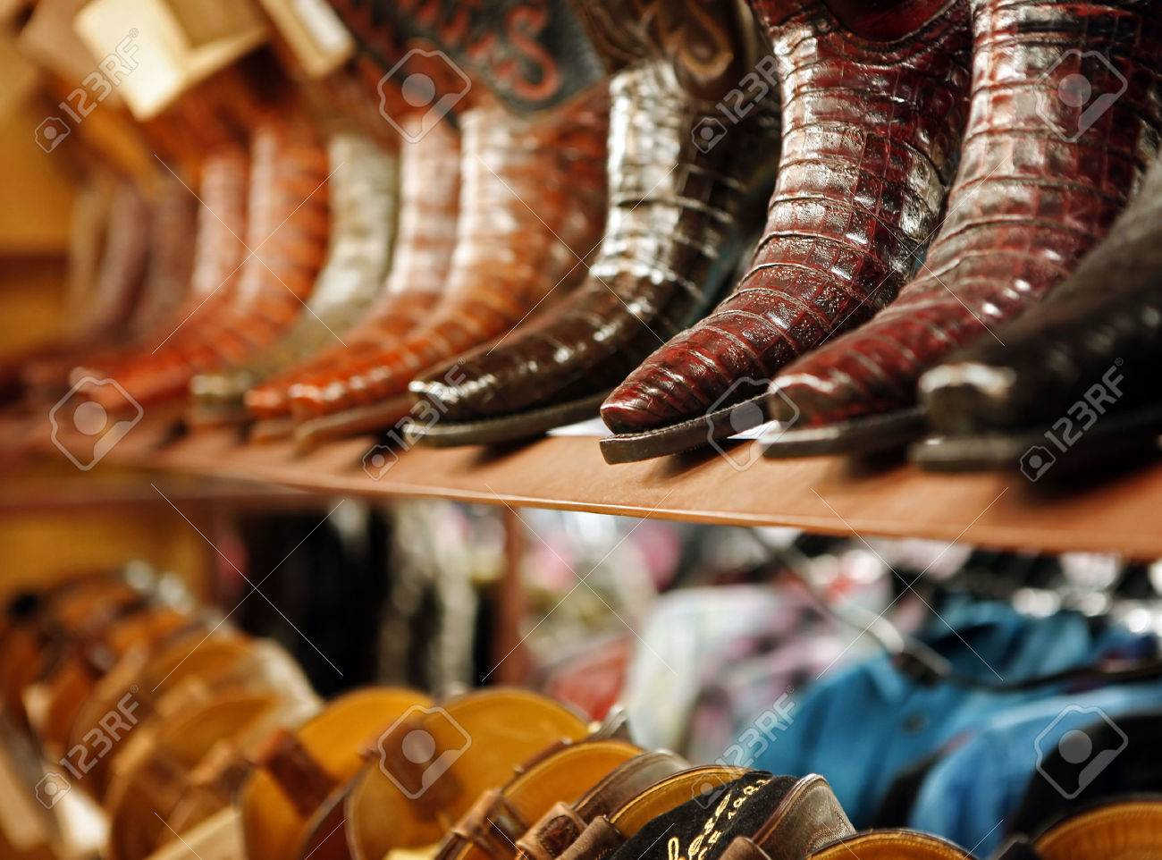 Boot store - 47560575