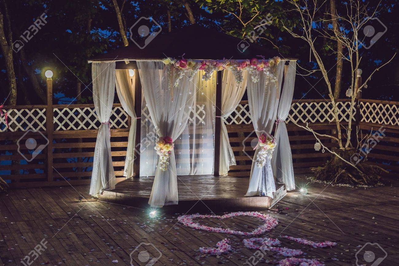 Night Wedding Ceremony Decorations For Wedding Ceremony Arch