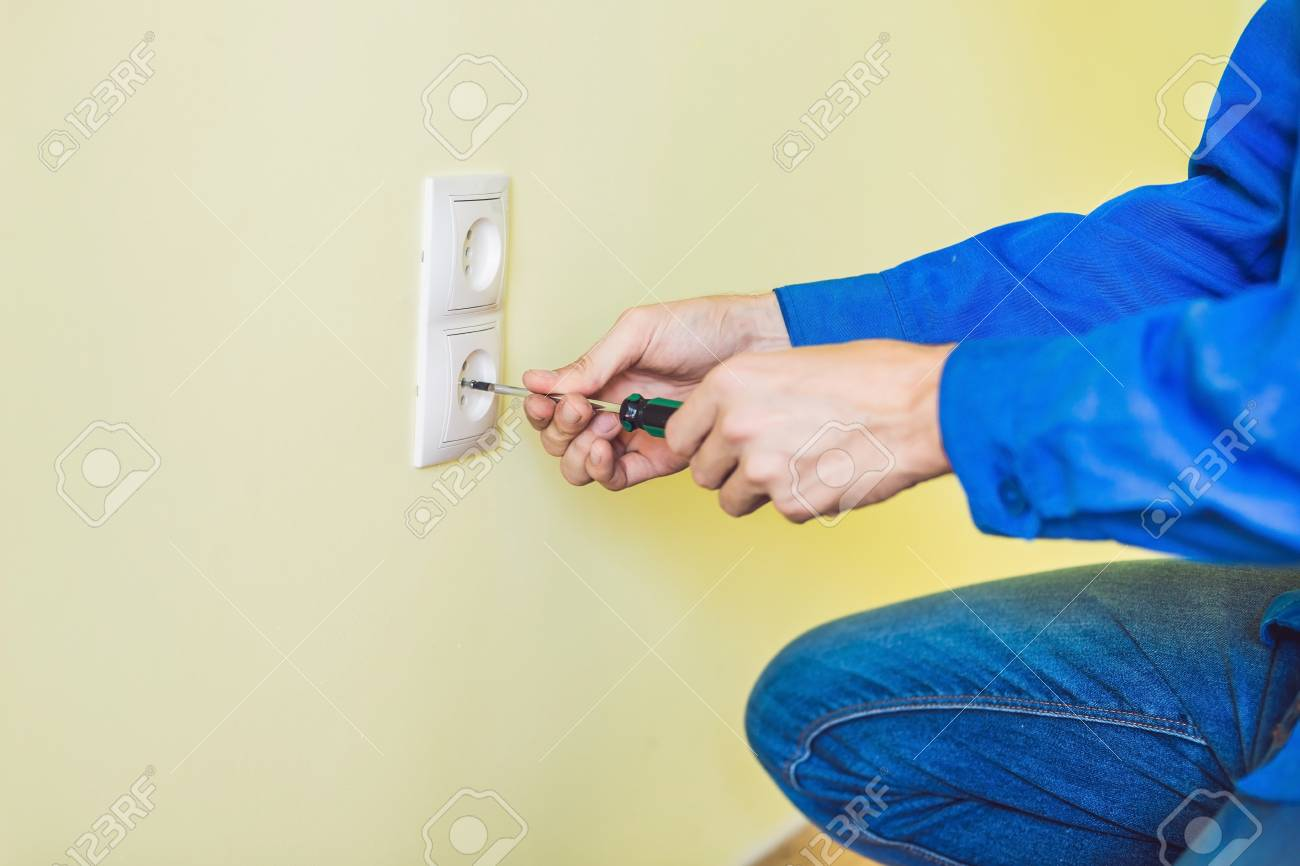 Electrician in the house 90