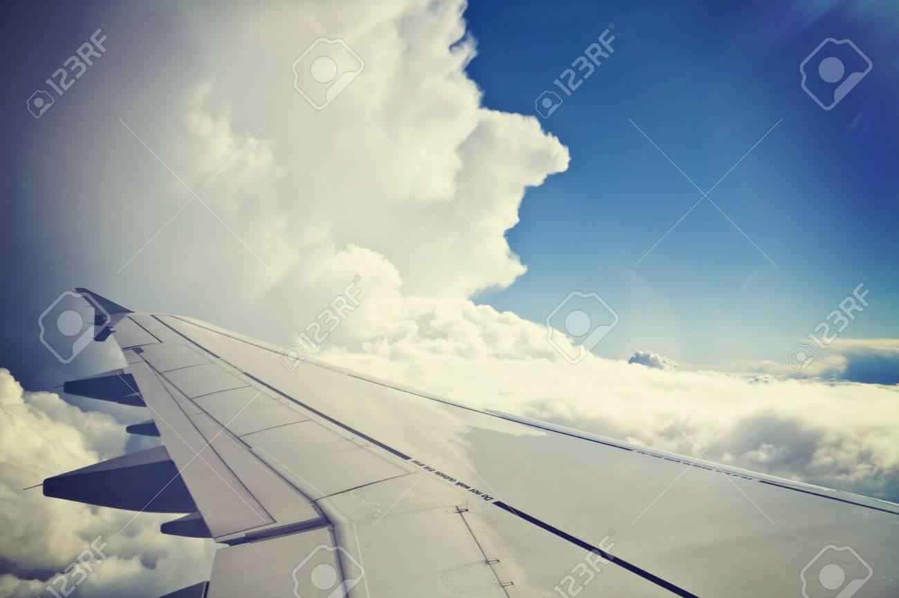 Blick Aus Dem Flugzeug Träger Flügel Und Schönen Cumulus Von Weißen