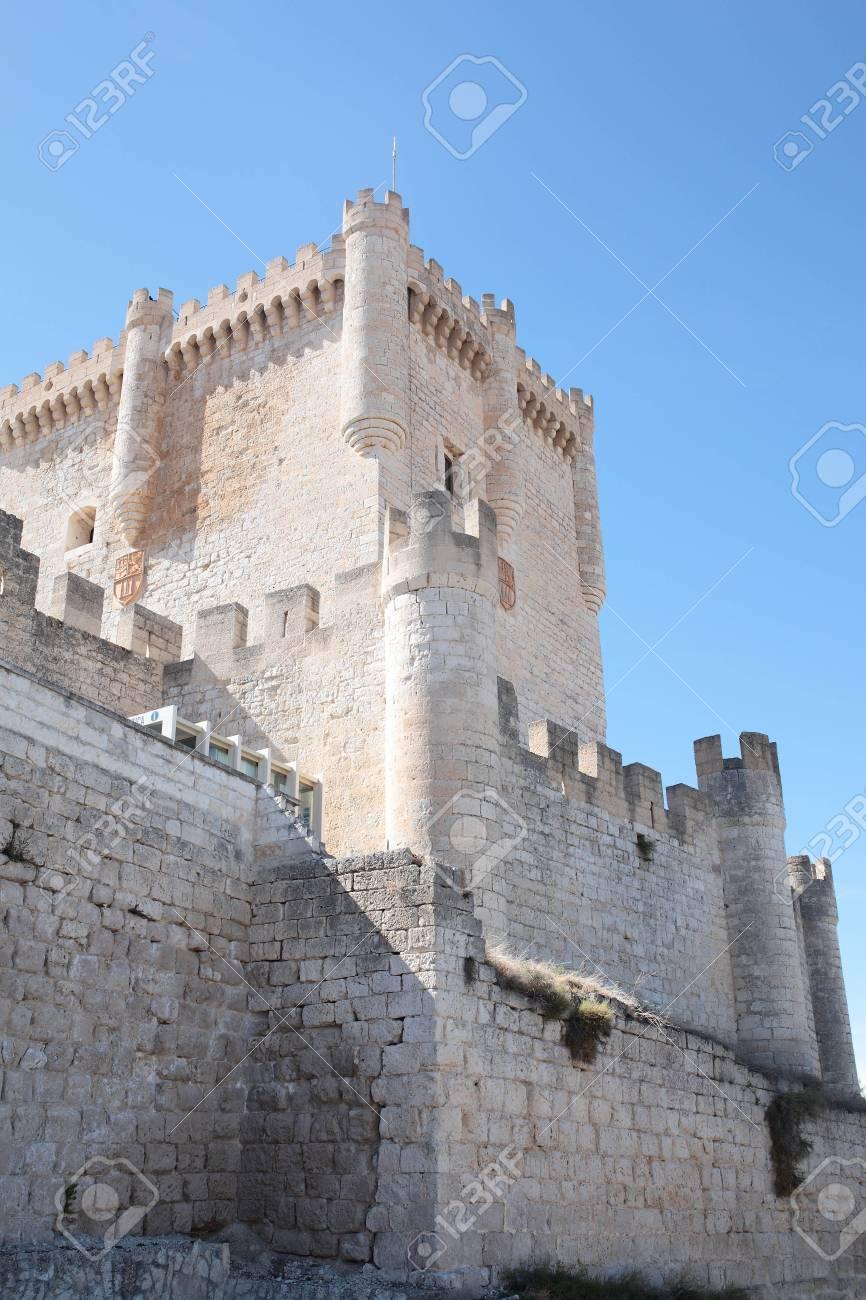 ペニャフィエル城、スペインのバ...