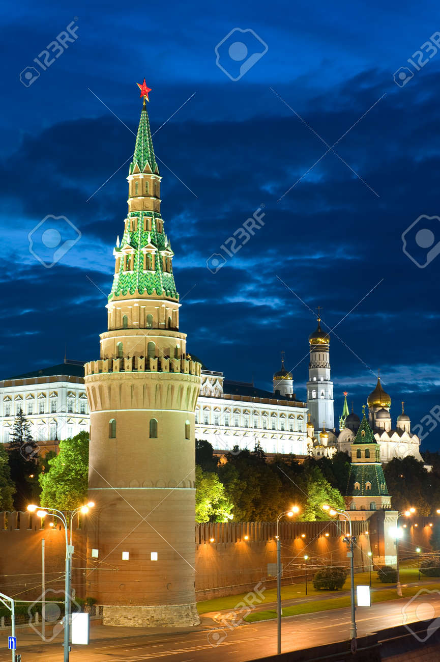 Russia The Moscow Kremlin in the morning Stock Photo - 9694703
