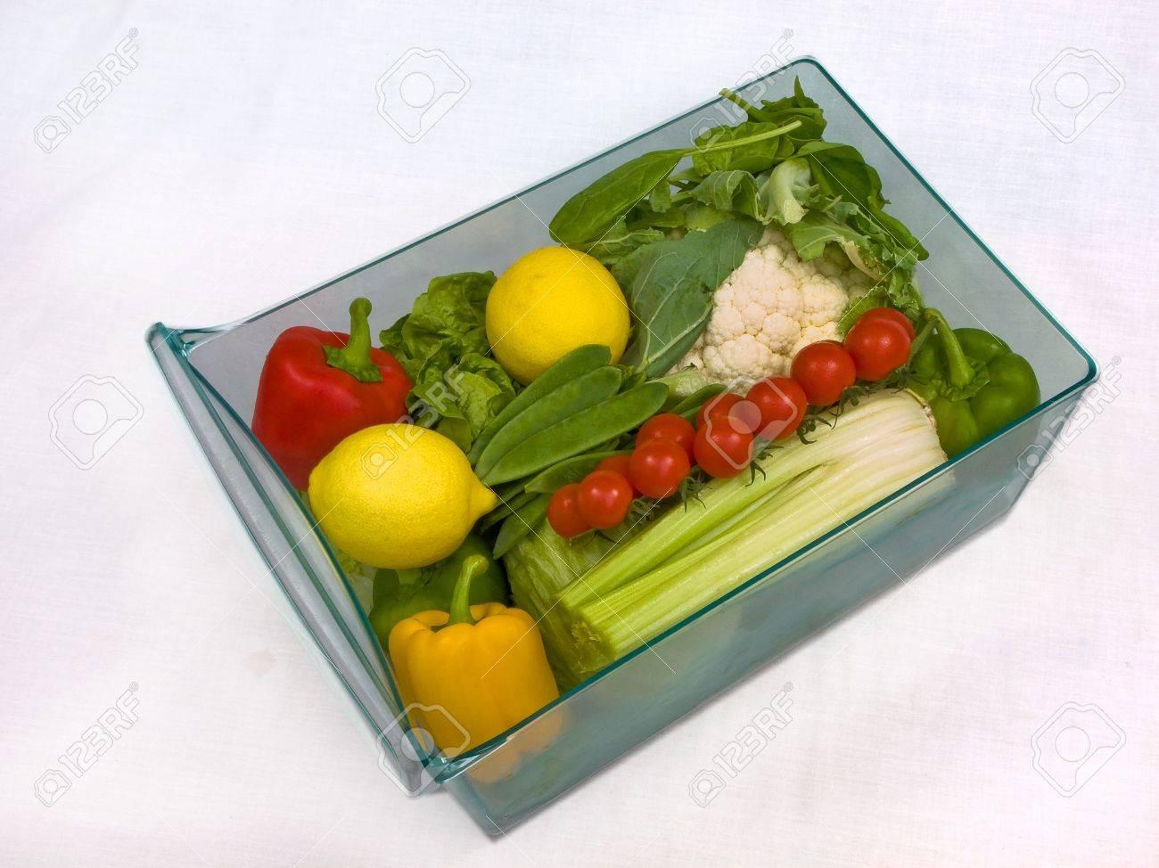 Kühlschrank Schublade : Kühlschrank gemüse schublade lizenzfreie fotos bilder und stock
