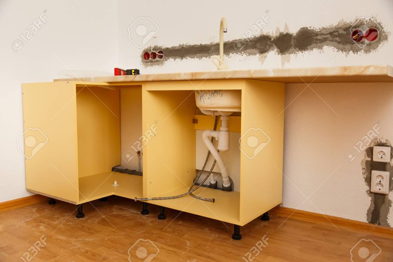 La fabricación de muebles de cocina en el interior de cajas