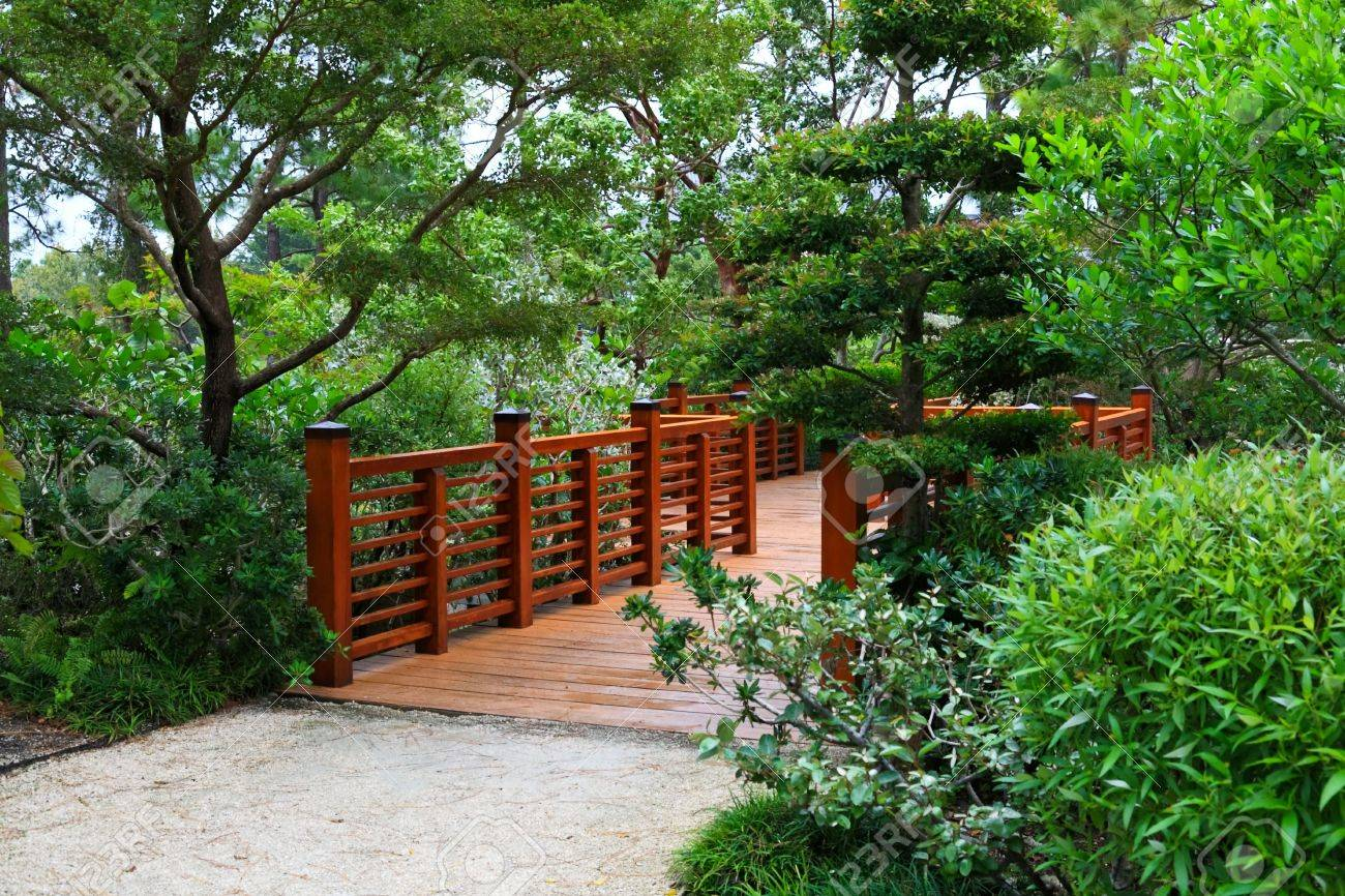 A Famous Traditional Japanese Garden In Southern Florida Stock Photo    3982408