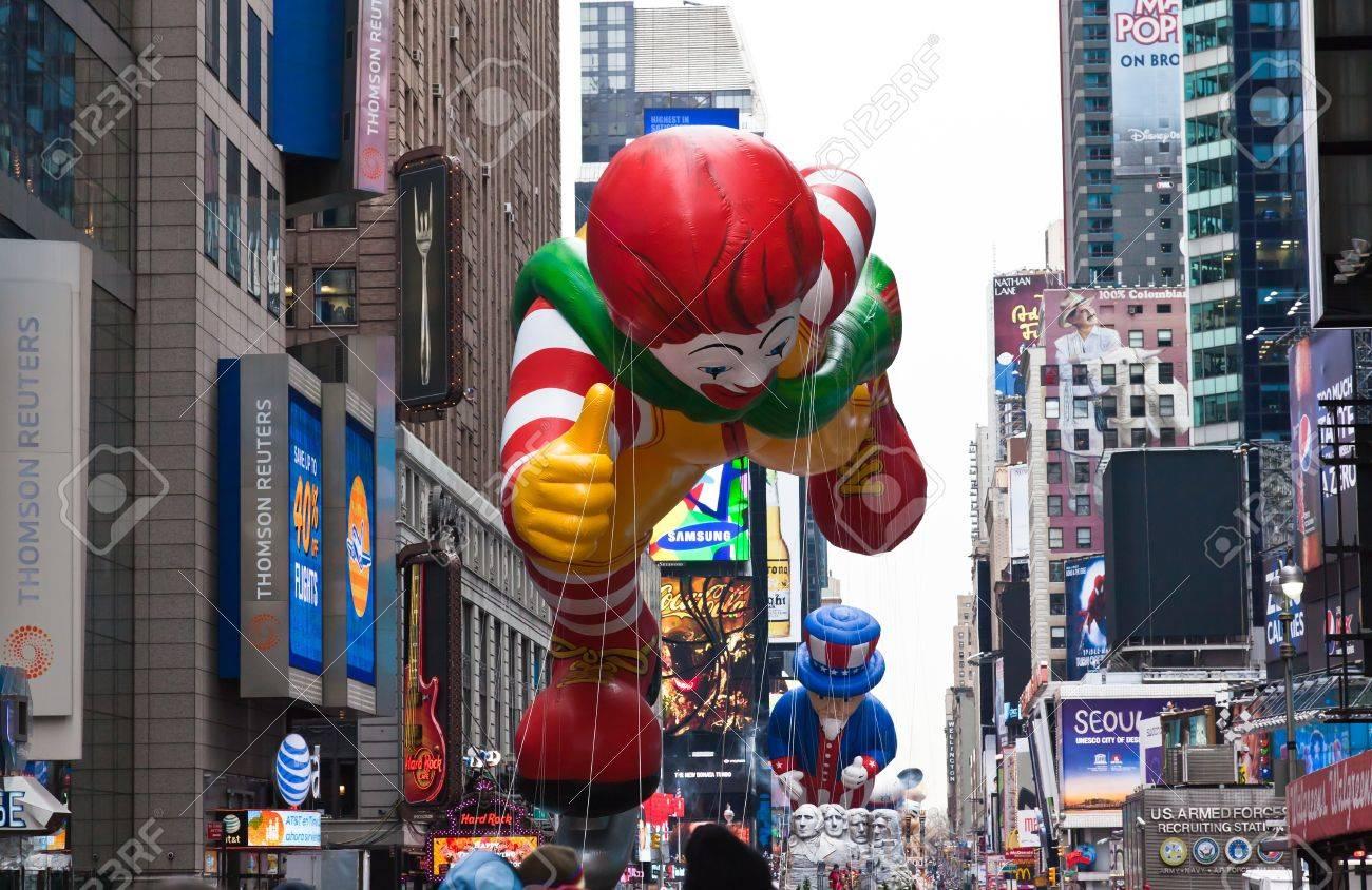 manhattan november 25 cartoon character balloon passing times