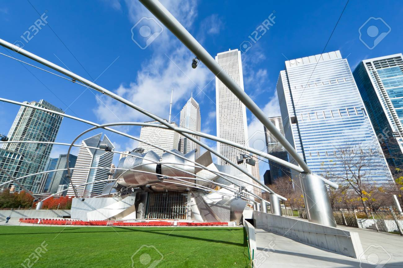 CHICAGO, USA - NOVEMBER 14: The Millennium Park in downtown Chicago on November 14, 2010, which costs $475 million and is completed in 2004, a major construction since the World's Exposition of 1893. Stock Photo - 9271940