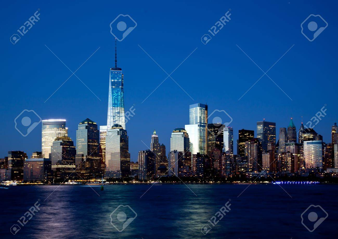 The new Freedom Tower and Lower Manhattan Skyline At Night Stock Photo - 20847247