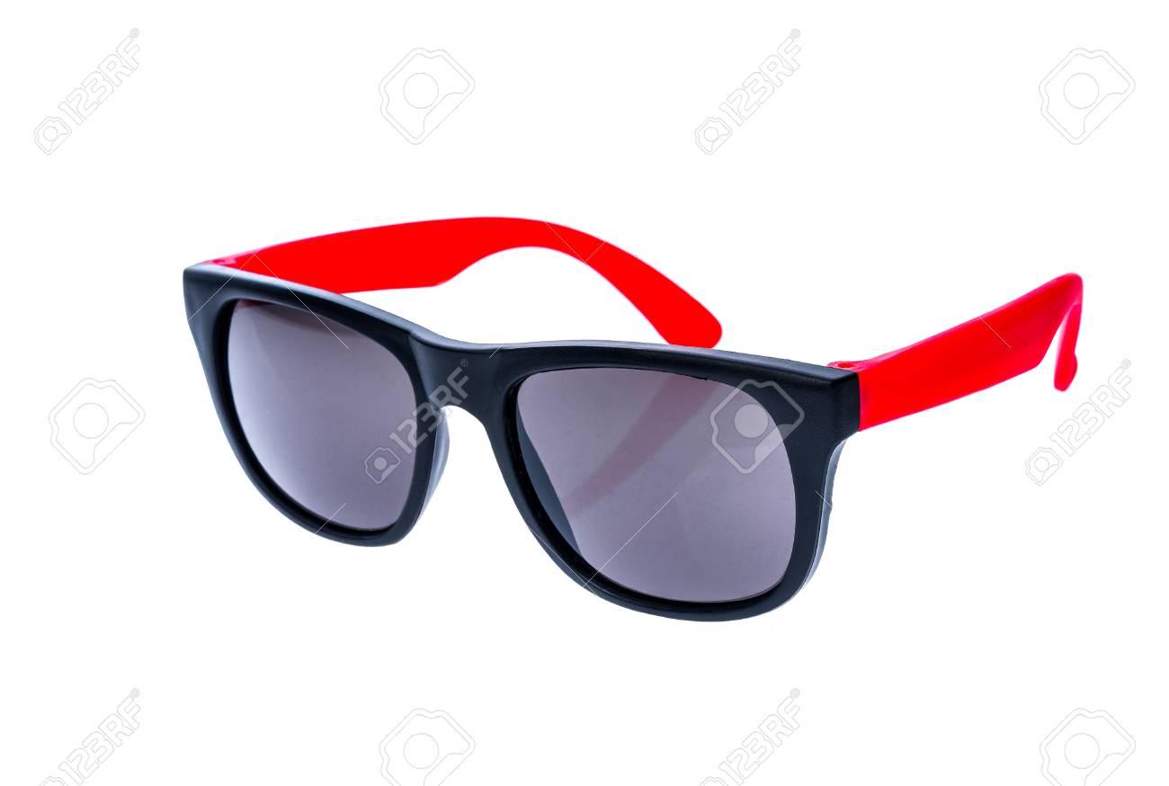 f4104eead834ee Banque d images - Lunettes de soleil couleur, lunettes de soleil ou lunettes  isolées sur fond blanc. Colorer les lunettes homme ou femme contre les  rayons ...