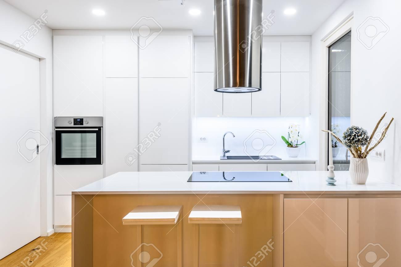 Diseño De Interiores Nueva Cocina Blanca Moderna Con ...