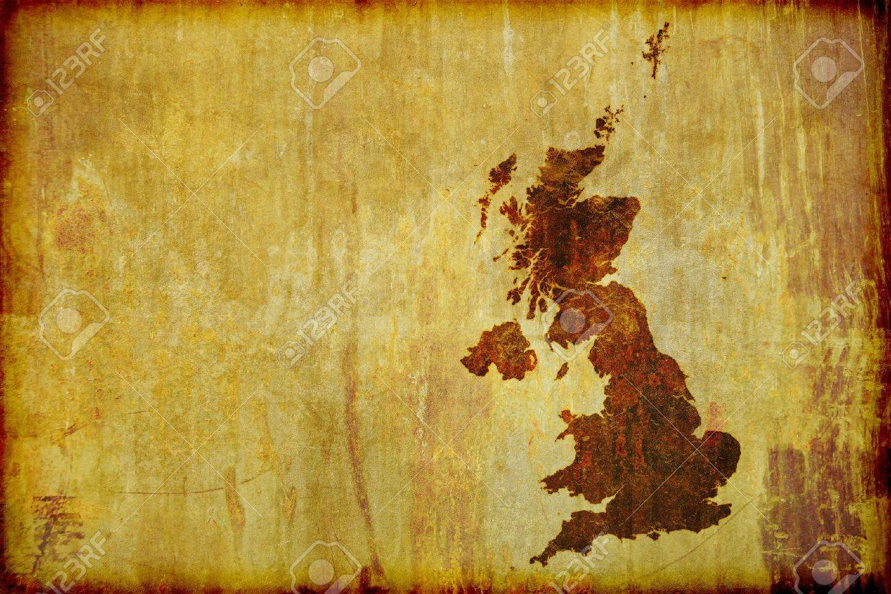 A grunge, antique style map of Great Britain (England, Ireland, Scotland and Wales) burned on to old wood board. With Copy-space for text. - 10412136