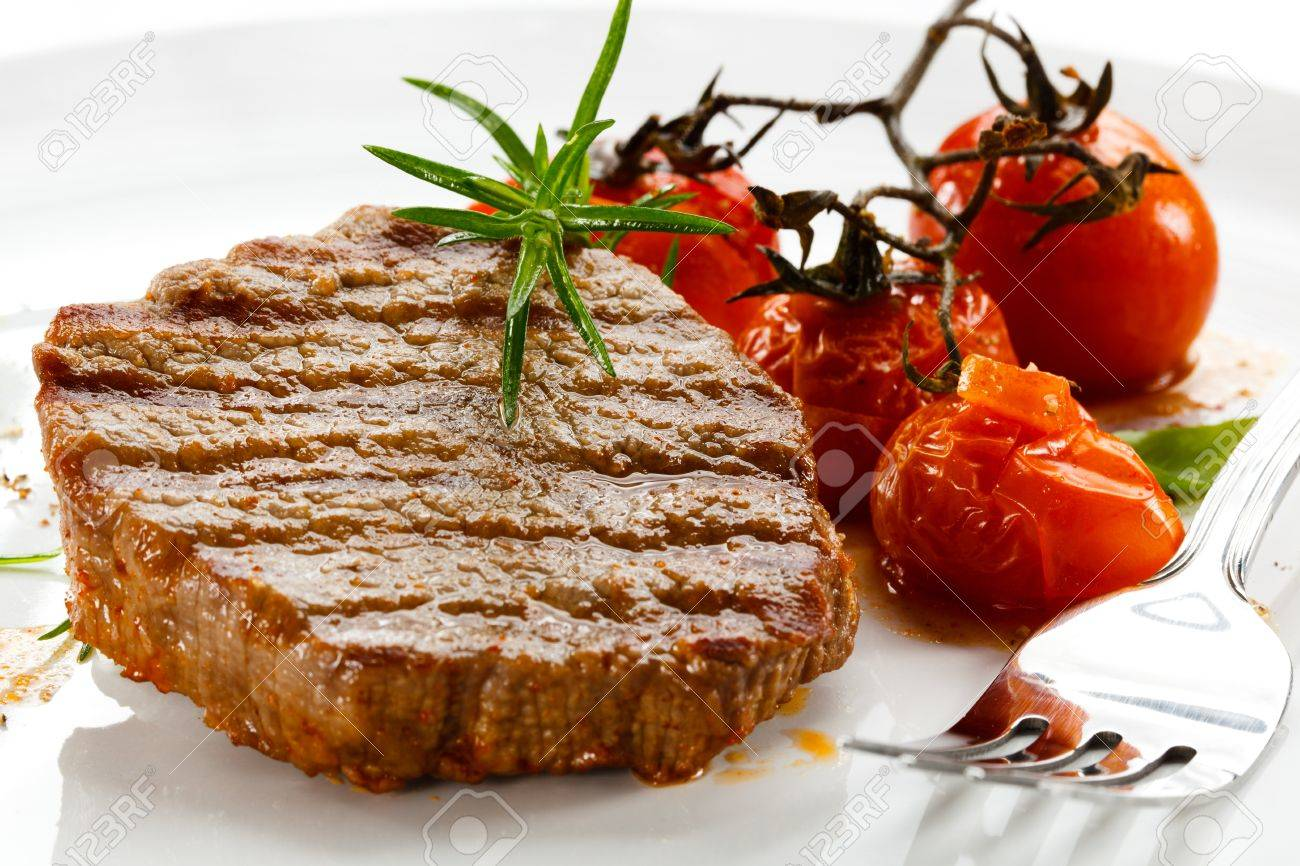 Grilled beefsteaks and vegetables Stock Photo - 15221972
