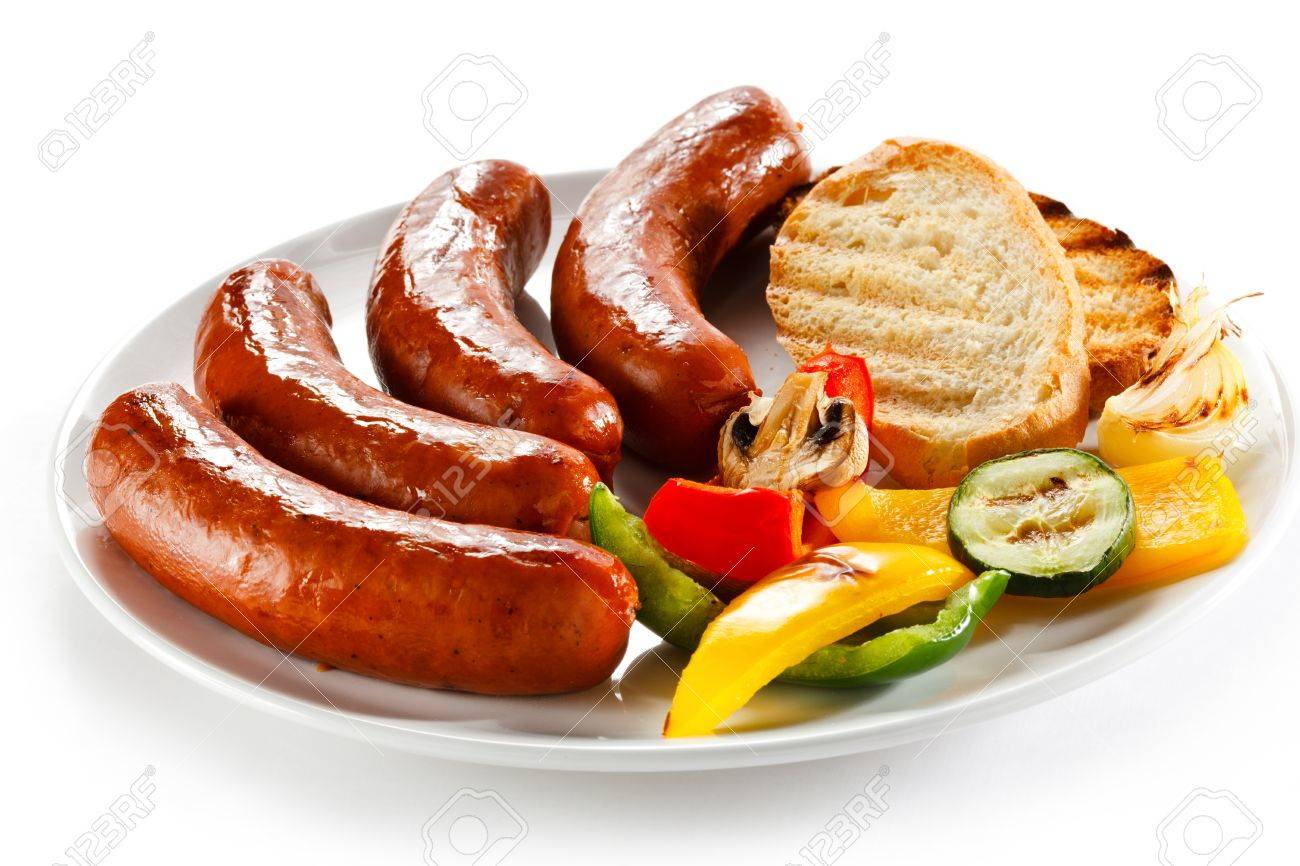 Grilled sausages, bread and vegetables - 15725431