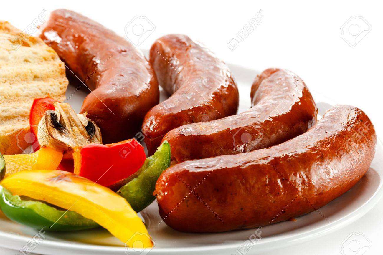 Grilled sausages, bread and vegetables - 15725433