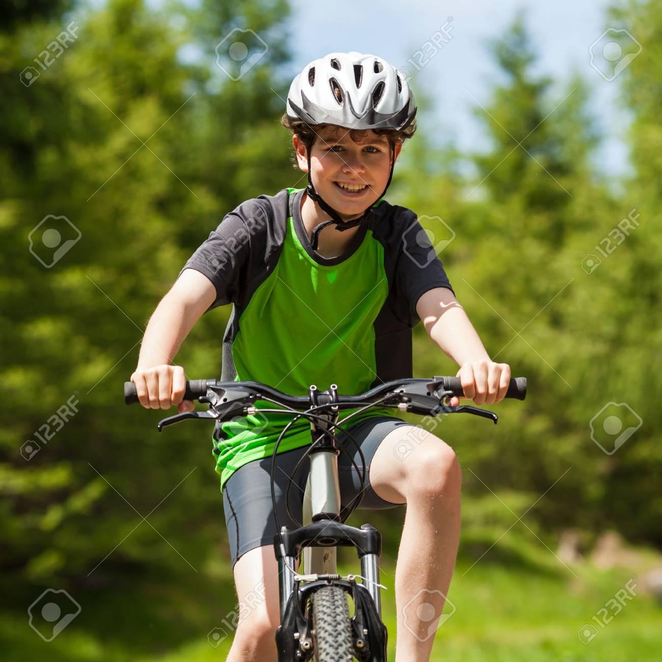 Boy biking Stock Photo - 17455368