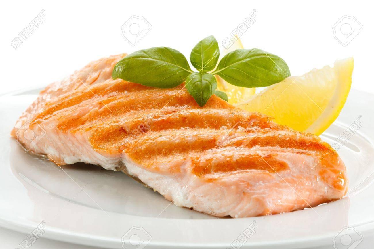 Grilled salmon Stock Photo - 17993578