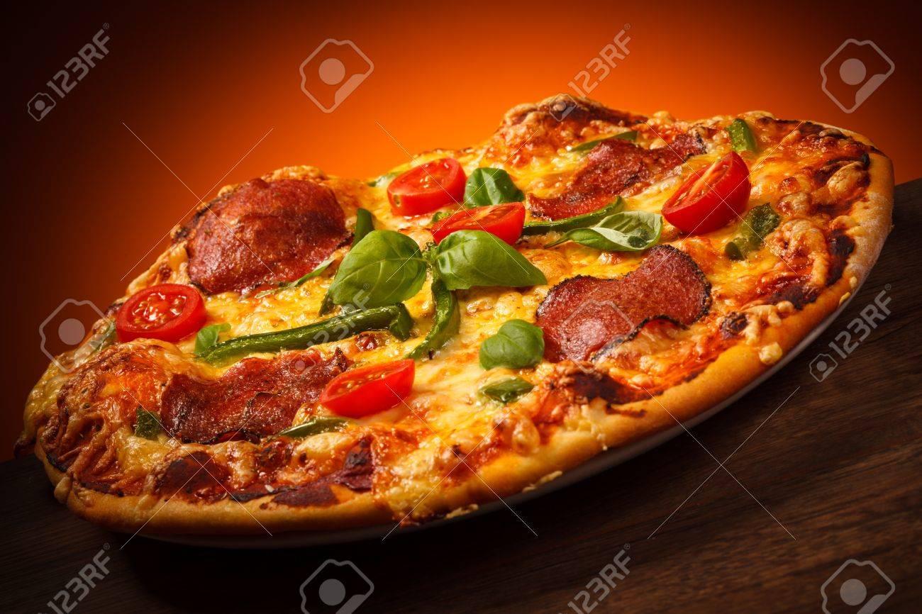 Pizza Stock Photo - 18294921
