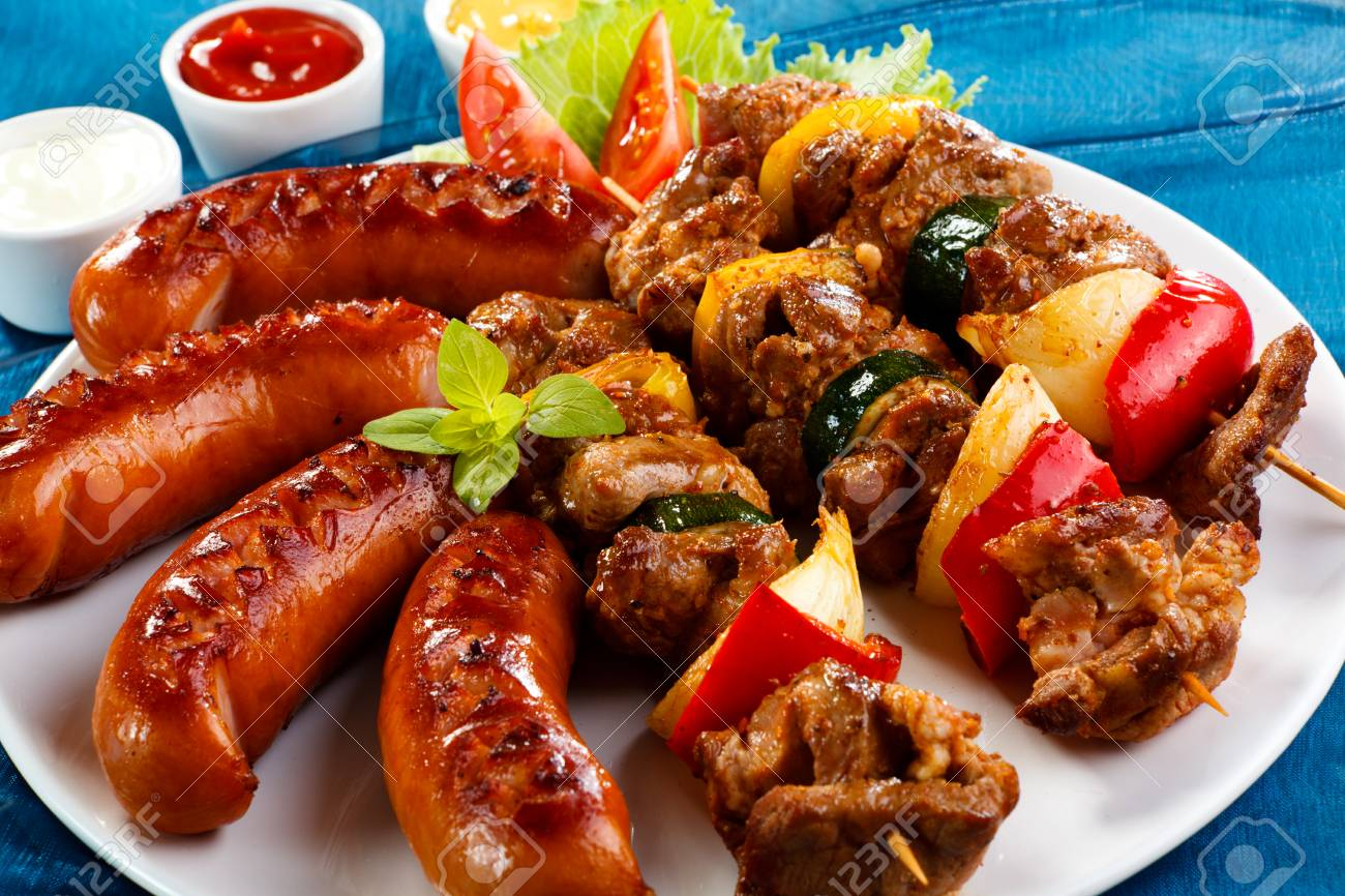 Grilled meat, sausages and vegetables - 29714050