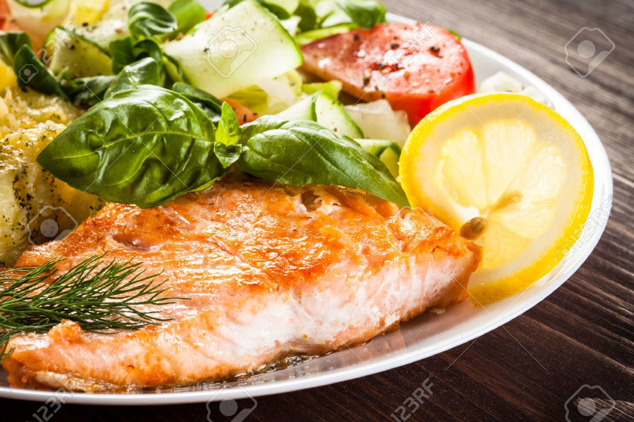 Grilled salmon and vegetables - 41514840
