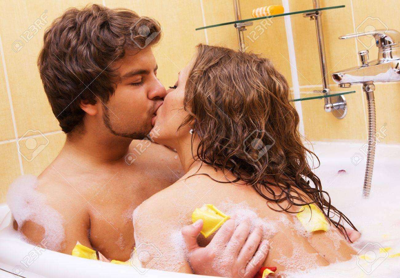 Романтический секс в ванной