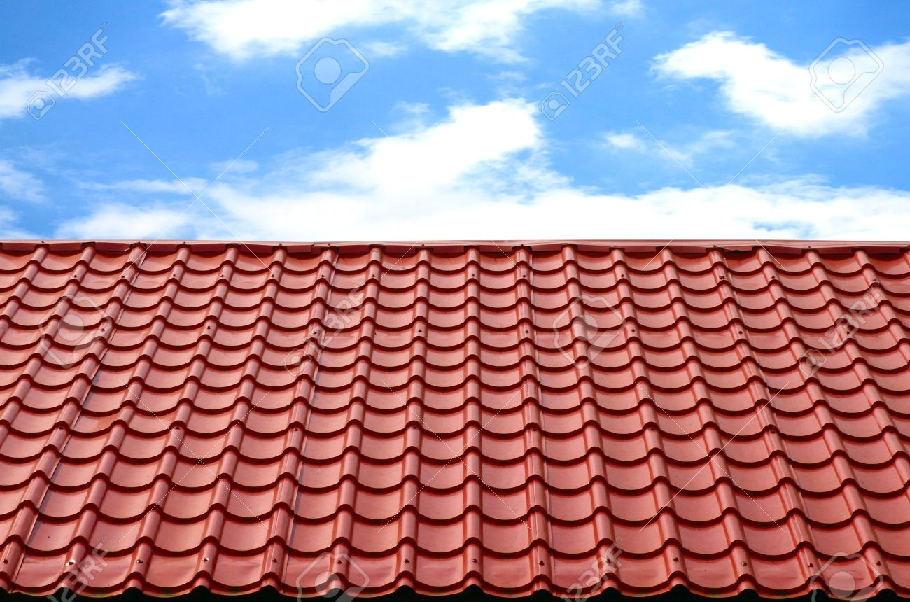 red roof with blue sky Stock Photo - 12673911