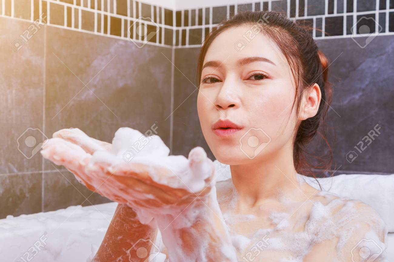 Pretty Woman Vasca Da Bagno : Il bagno in vasca delle star ieri e oggi foto io donna