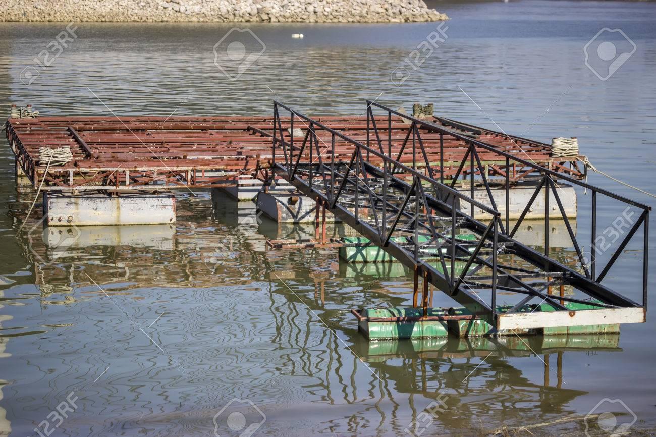 Metal construction for houseboat, homemade pontoon houseboat