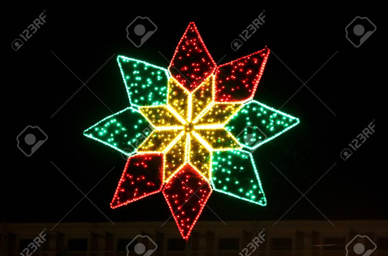 stockfoto verlichte kerstster decoratie in kiev oekrane