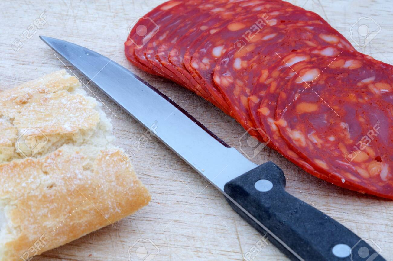 it bread with garlic sausage Stock Photo - 438597
