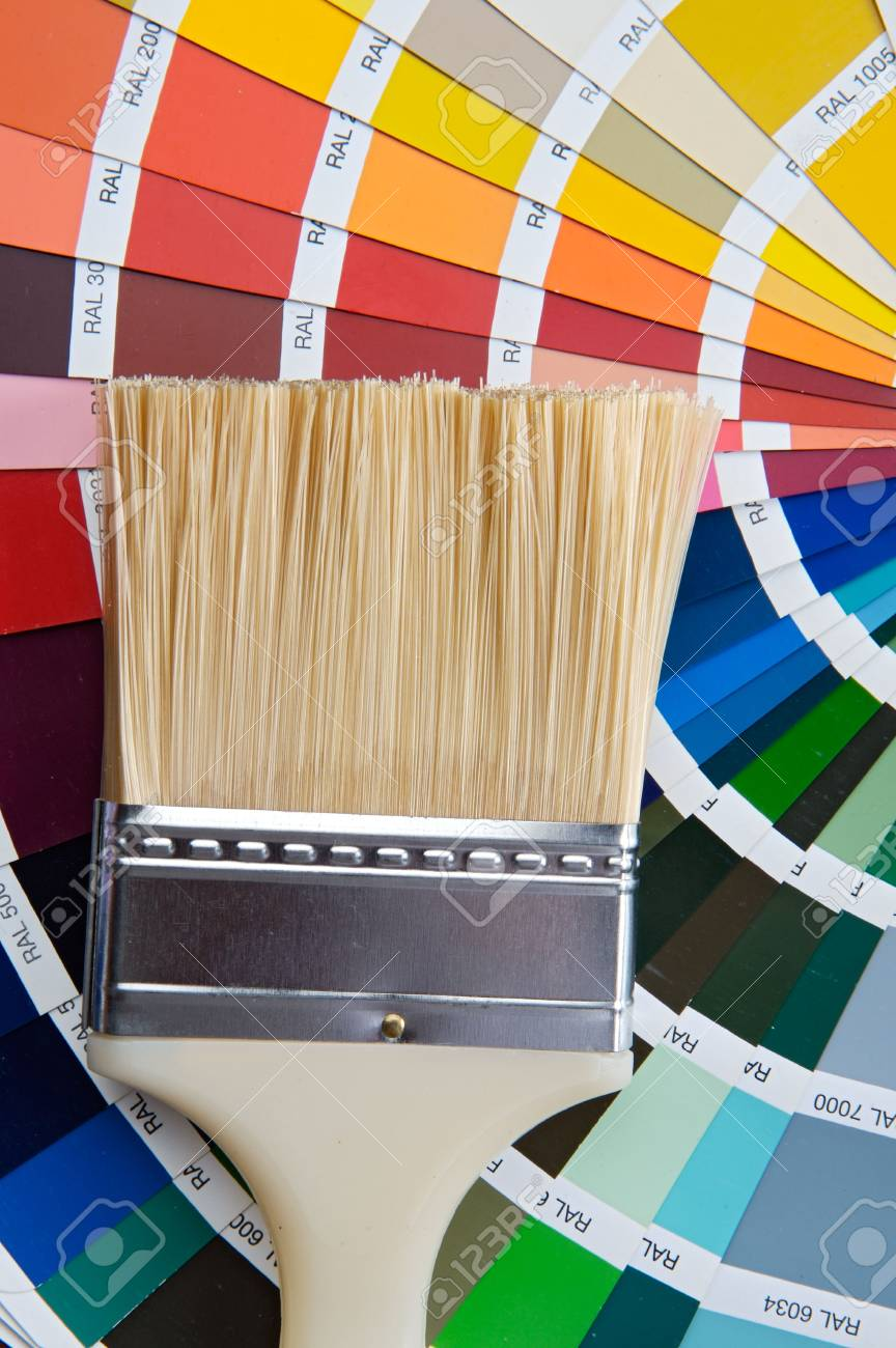 photo of Paintbrush with card of colors Stock Photo - 947289