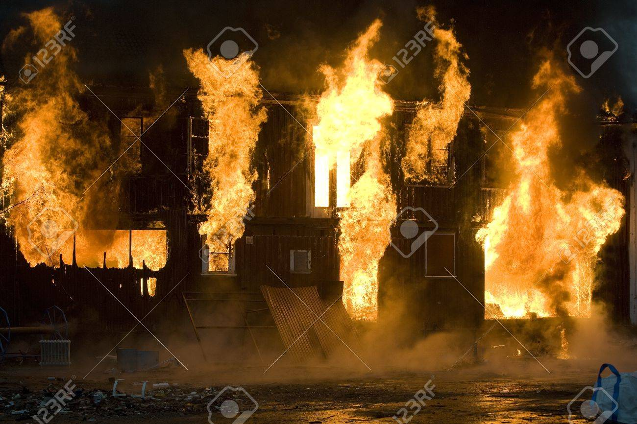 Apartment building on Fire at Night time Stock Photo - 12272037