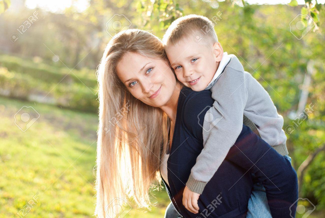 Смотреть мамы ипуть сыночков 22 фотография