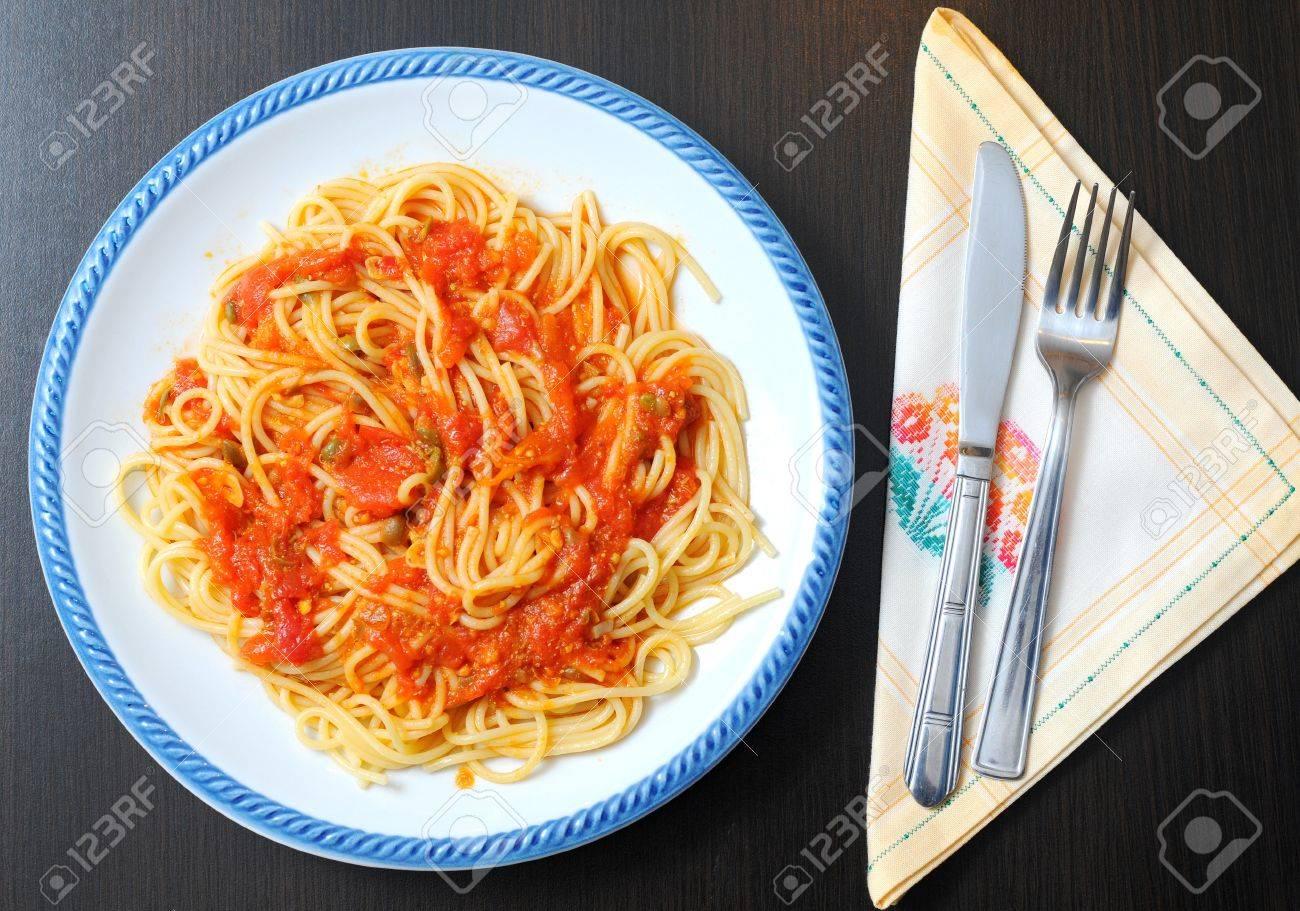 La Cuisine Italienne Les Epinards Et Saumon Poissons Sauce Tomate