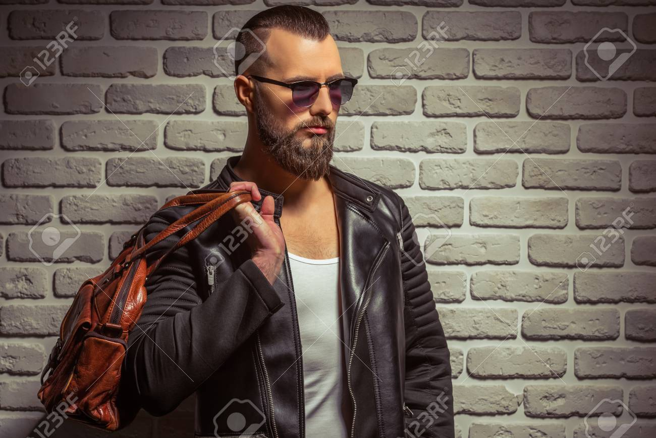 Beard In With And Leather Holding Sunglasses Man Stylish Jacket Nwm80vOn