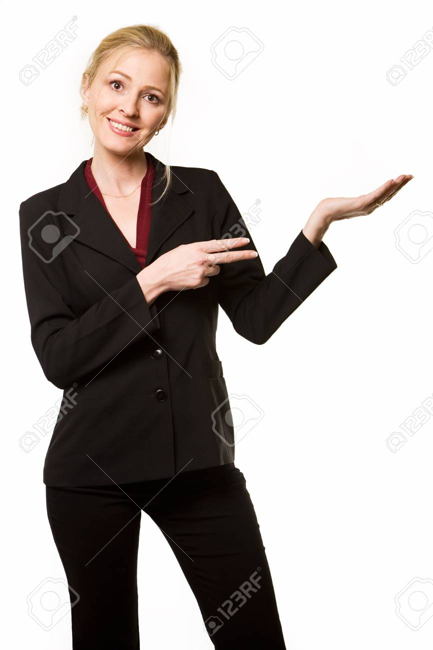 size 40 a35cc 0edc2 Attraente donna bionda che indossa un completo nero sorridente fino da una  parte, e che punta a vuoto mano con l'altra mano