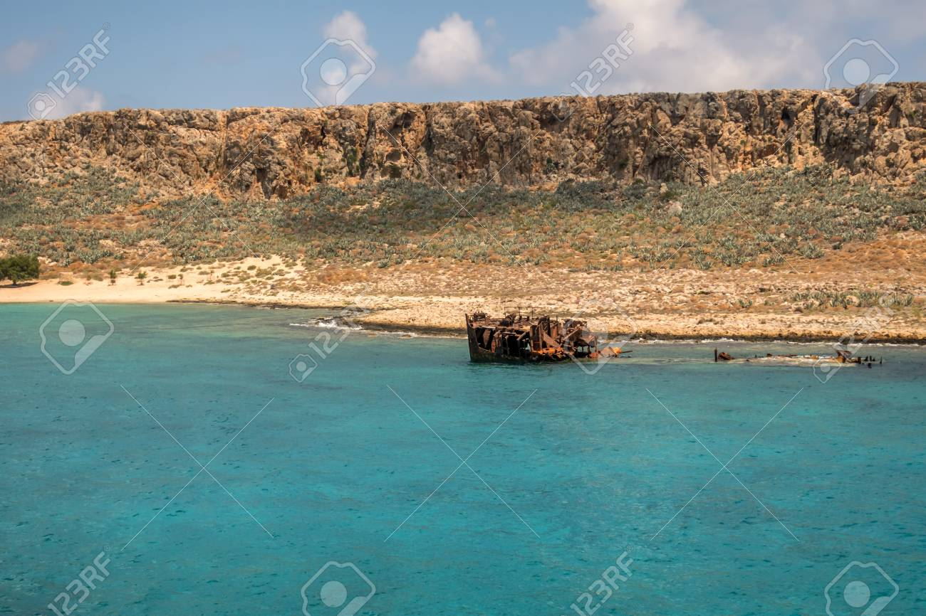 Ancient Gramvousa Fort is near the Crete - 115632649