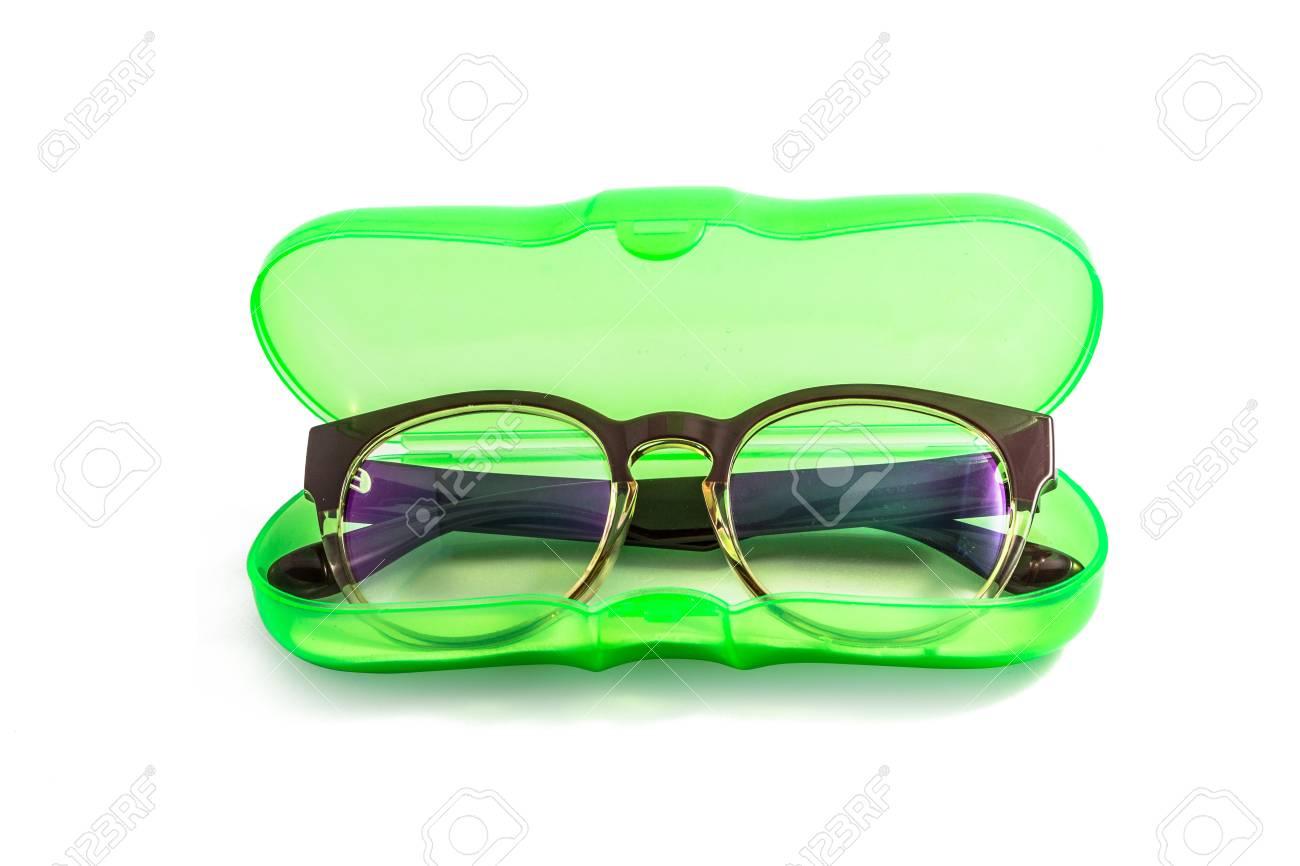 ddee86d9b366ae Groene plastic glazen geval geïsoleerd op een witte achtergrond Stockfoto -  45662140