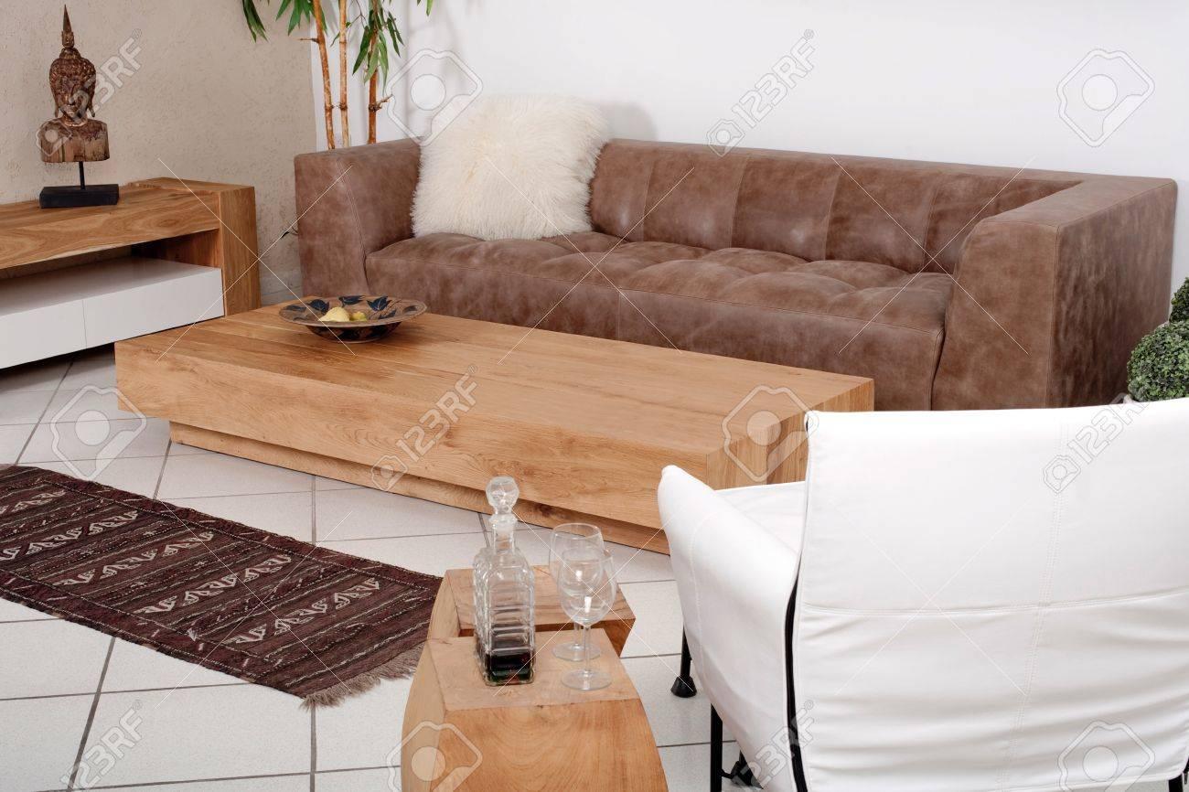 Klassische Möbel Für Moderne Innenausstattung Lizenzfreie Fotos ...