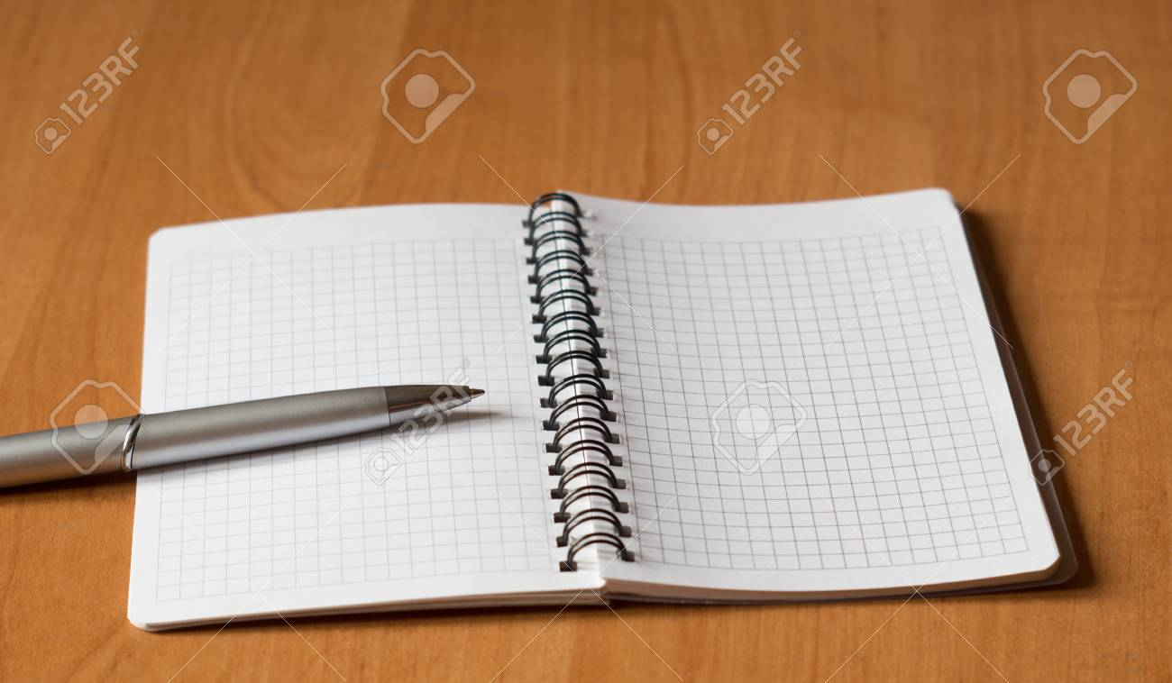 open notebook and a pen on office table Stock Photo - 11893585