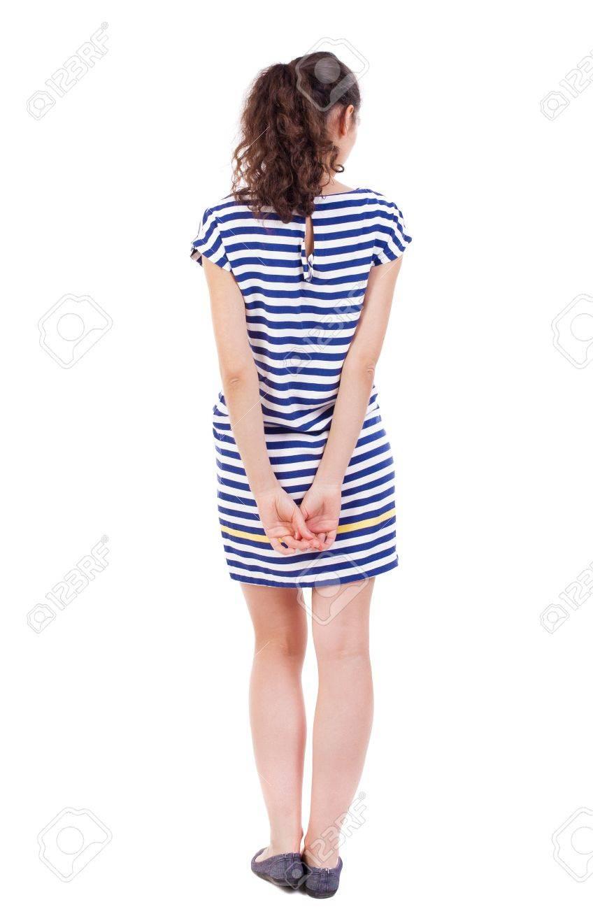 vista posterior del pie mujer joven y bella niña viendo vista