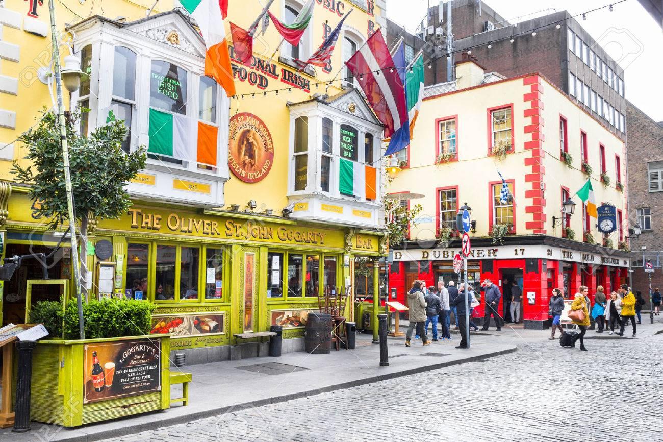 Stock Photo   Tourists Walking In The Temple Bar Area, Dublin, Ireland